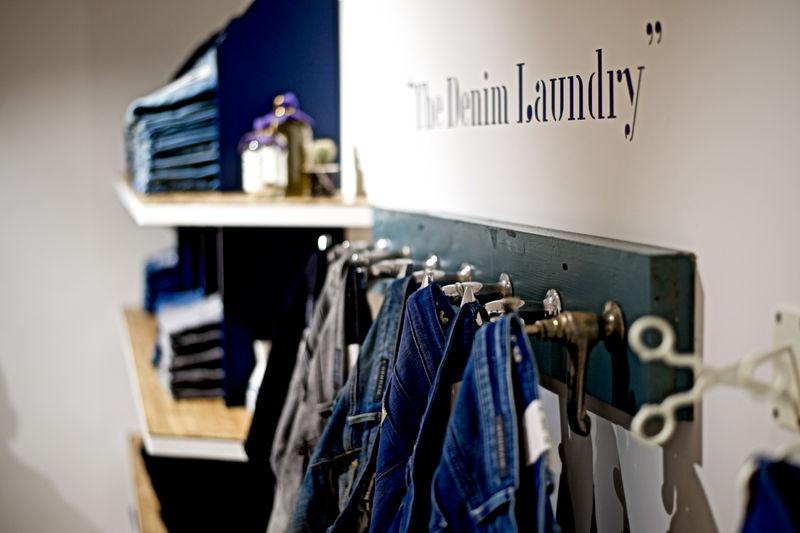 Denham flagship store Leeds (8)