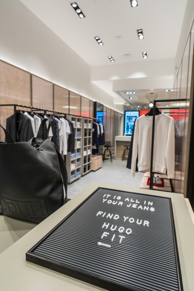 Hugo Menswear Store Amsterdam Leidsestraat 2018 09