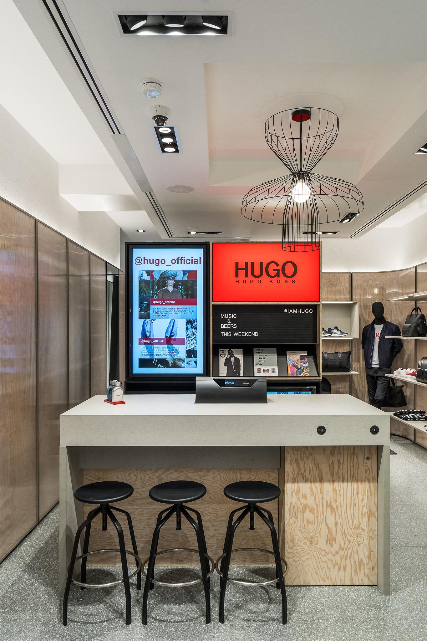 Hugo store Amsterdam (1)