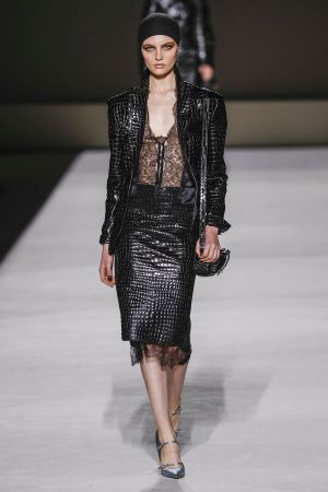 Tom-Ford_ful_W_S19_NY_001