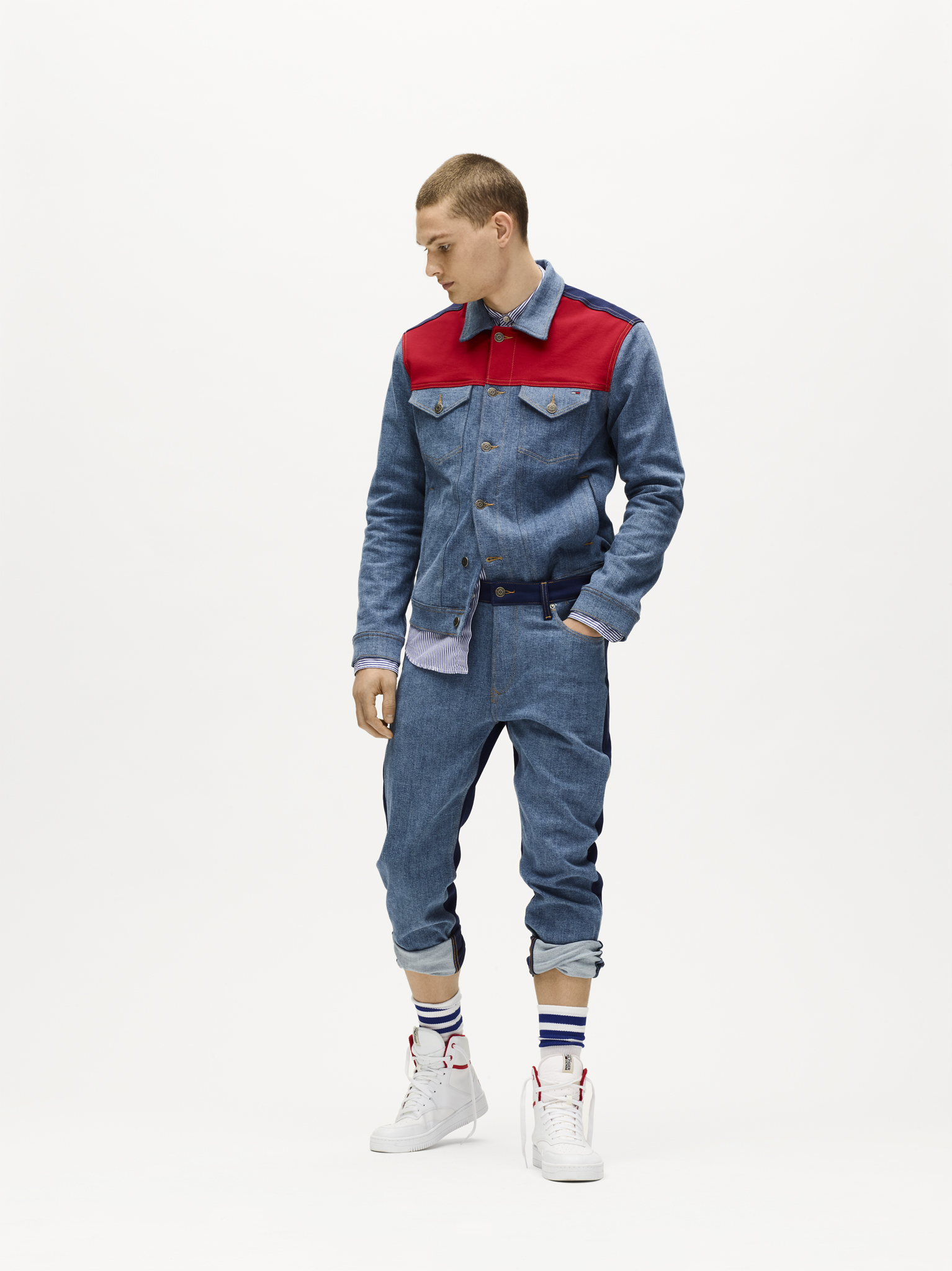 Tommy Jeans 4